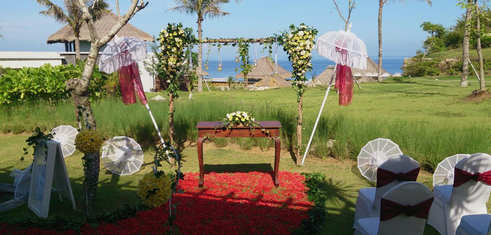 wedding at one bedroom private pool villa - samabe bali resort and villas