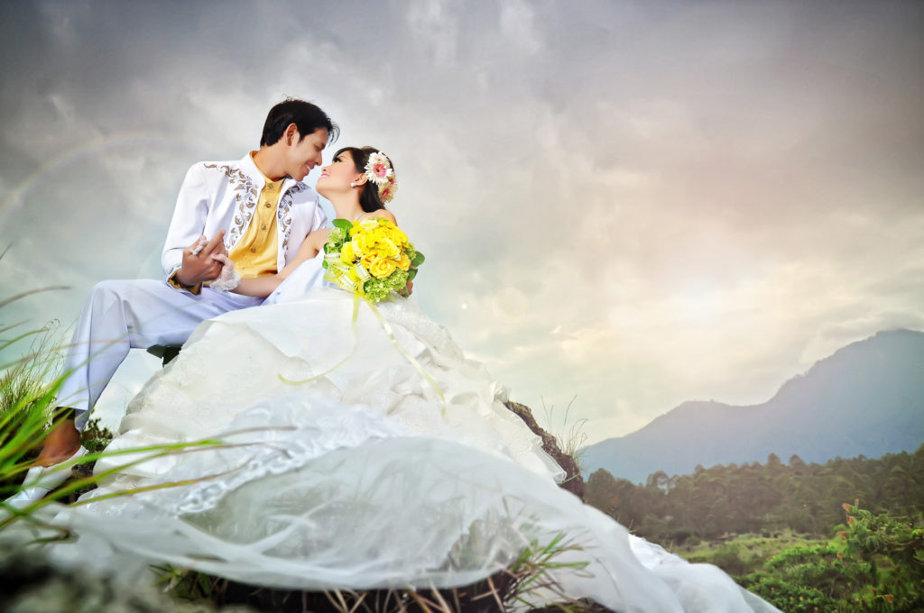 pre wedding photograph in batur kintamani - the bali channel