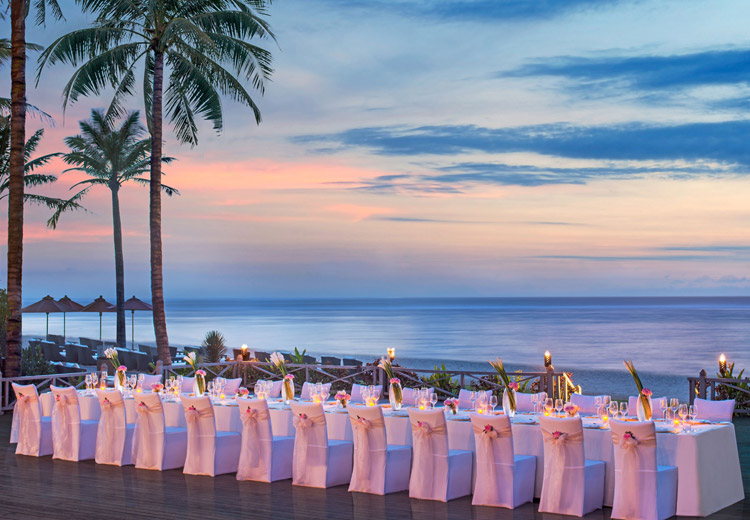 st regis nusa dua - wedding dinner beach front