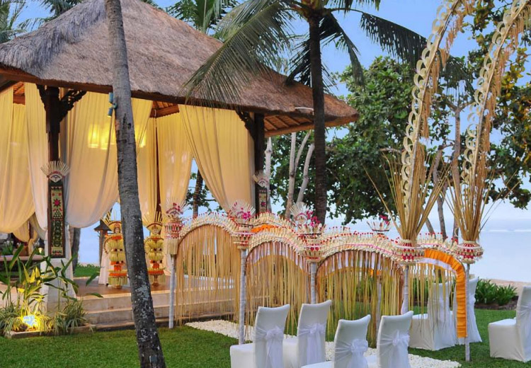 the laguna bali resort - balinese wedding decoration