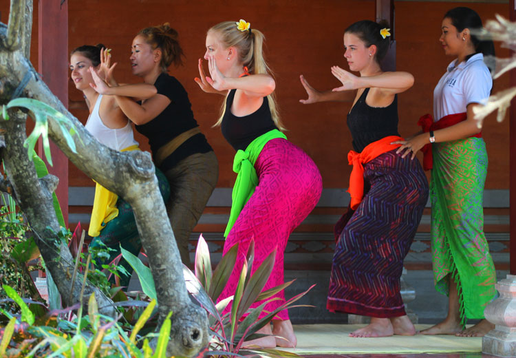 balinese traditiona learn in sanur