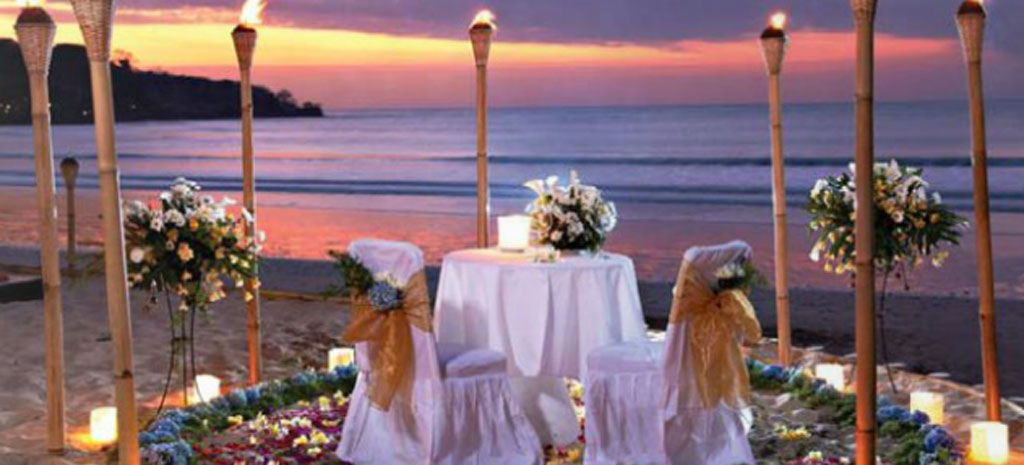 romantic dinner at jimbaran beach club - the bali channel