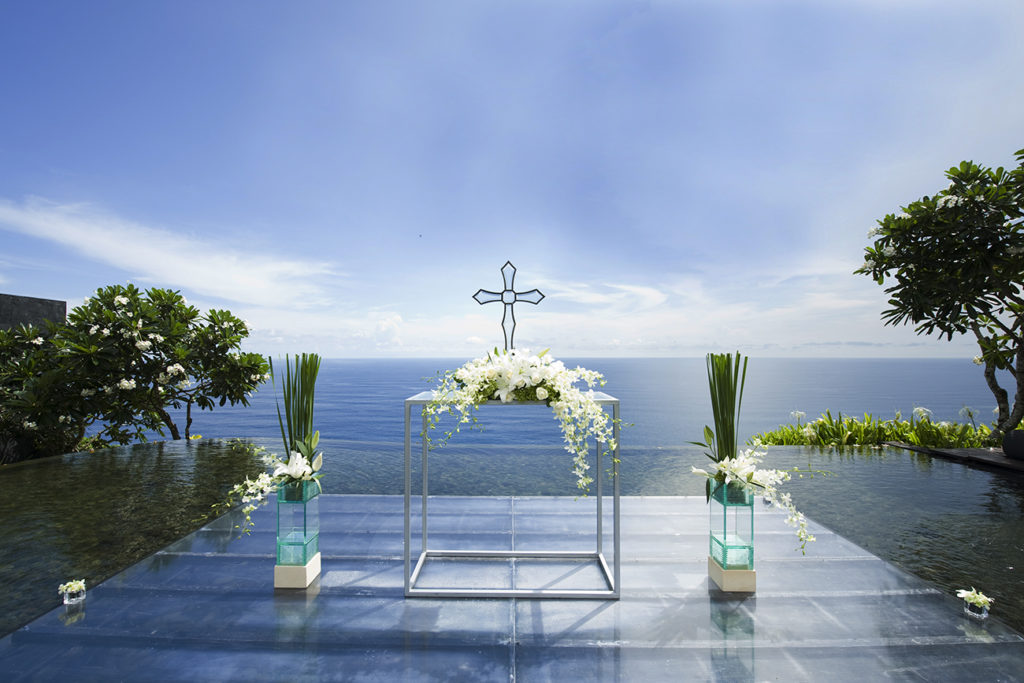 bulgari resort bali floating altar