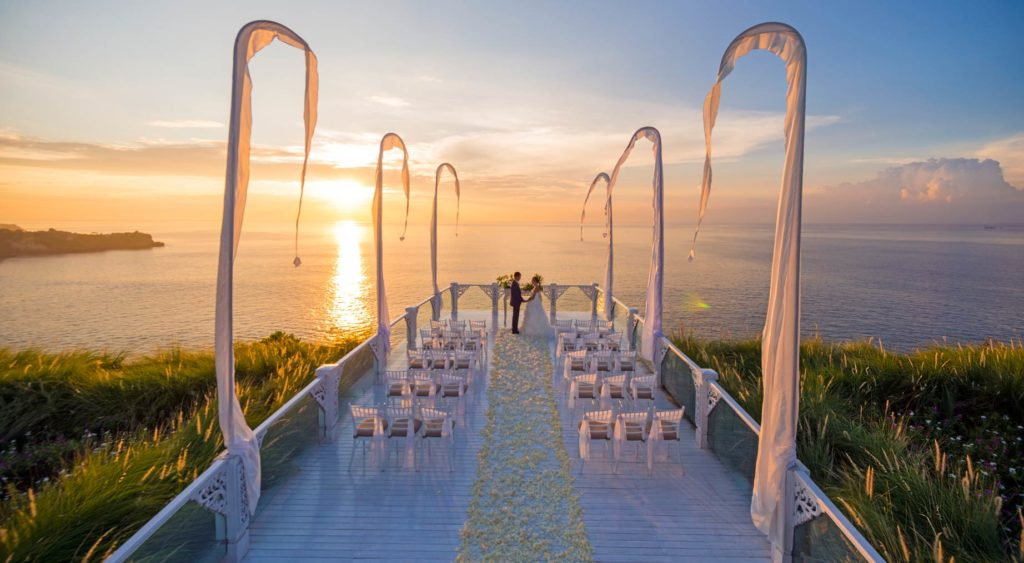 wedding sky at ayana resort bali nusa dua