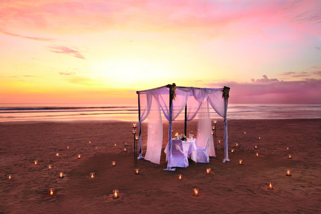 romantic wedding dinner at bali mandira resort legian