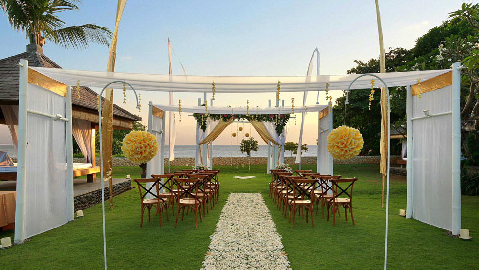 wedding garden at bali niksoma legian