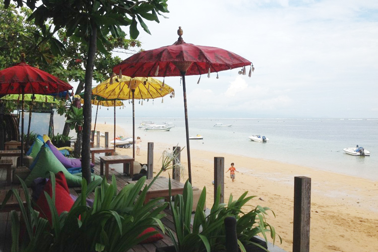 cafe bamboo sanur beach