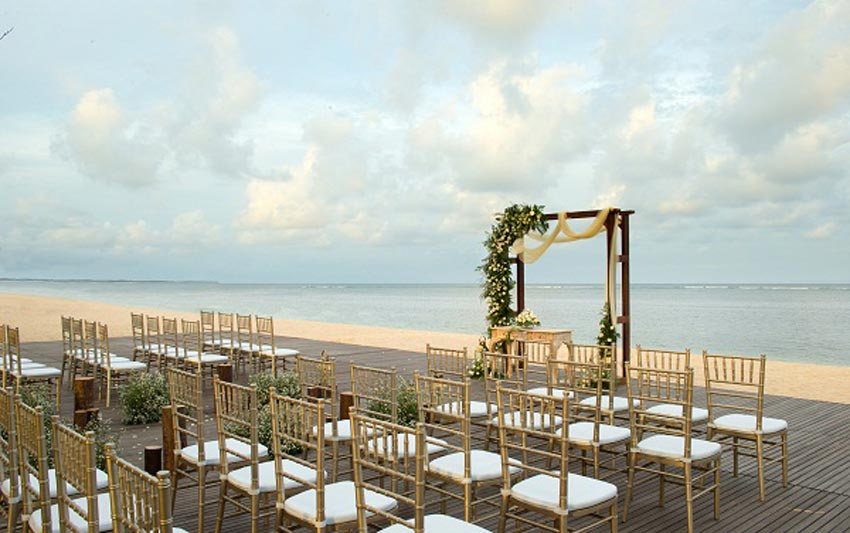 beach wedding royal santrian tanjung benoa